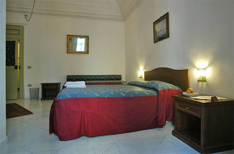Miseria E Nobilta', Napoli, Italy, bed & breakfasts and rooms with views in Napoli